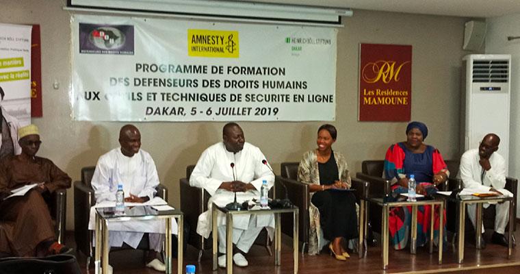 Les défenseurs des droits humains initiés à la sécurité en ligne